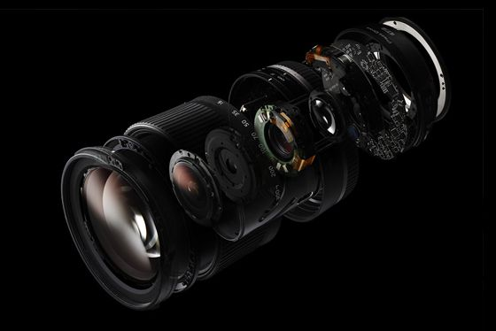 A single lens extends the possibilities of photographic expression. All-in-One Zoom Lenses